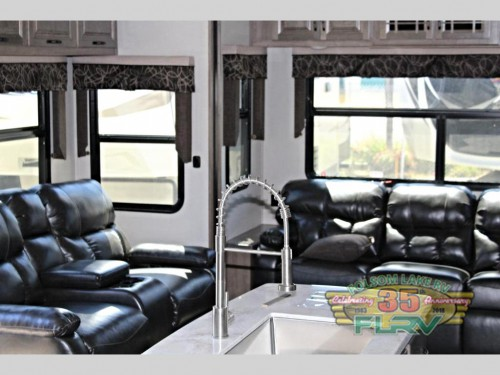 KZ Durango Gold Fifth Wheel Interior