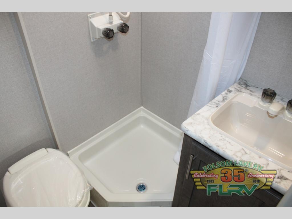 KZ Sportsmen Classic Bathroom