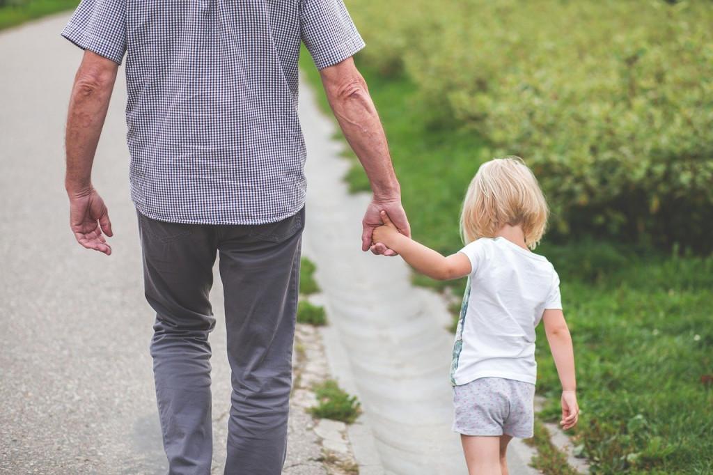 dad daughter walking